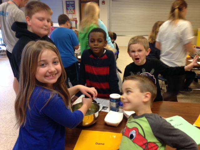 Kiddos at Washington CASP have fun making their yummy guac!